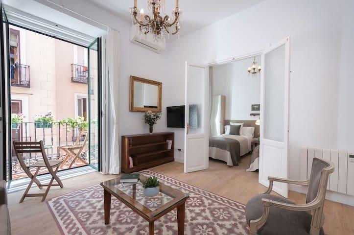 WelcomeHome - Stylish Apartment Opera