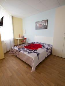 Уютная, просторная студия 1 в отеле - San Pietroburgo - Bed & Breakfast
