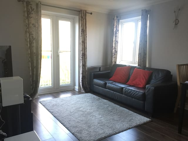 Double Bedroom + Private Bathroom - Southampton