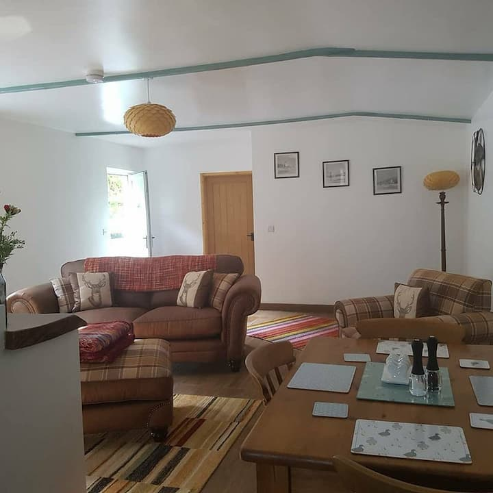 Ideal Couples Cosy, Romantic Space Opposite River