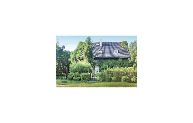 Holiday cottage with 4 bedrooms on 139m² in Zbychowo