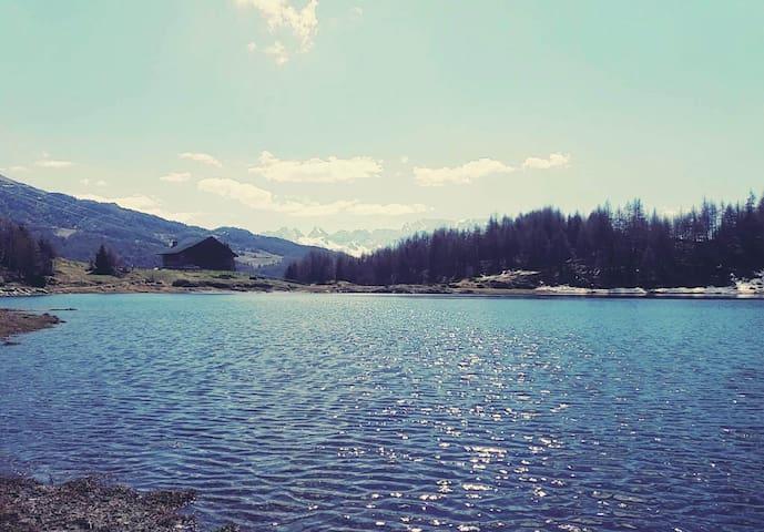 Rifugioallagodelmortirolo m1785 isolato in inverno