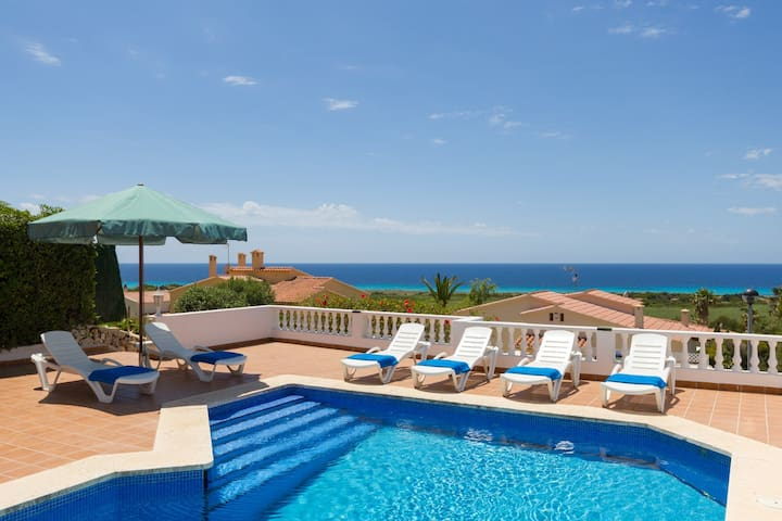 Nice Villa with Seaview, Pool, AC