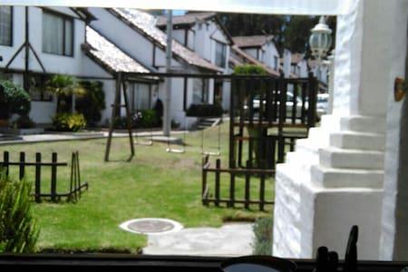 Linda casa disfrutar de un buen momento - Quito - Talo