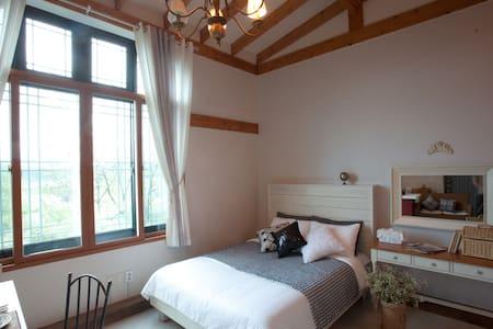 L룸, 레스토랑이 있는 월풀 스파 커플 객실 - Ganghyeon-myeon, Yangyang - ที่พักพร้อมอาหารเช้า