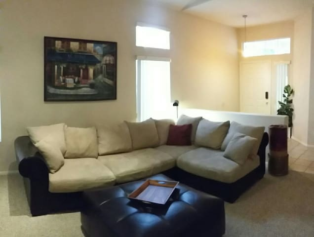 Cozy and convenient in Green Valley Ranch ! - Henderson - House