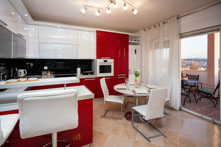 Cozy Sunny Charming Apt in Solin 10 min from Split - Solin - Wohnung