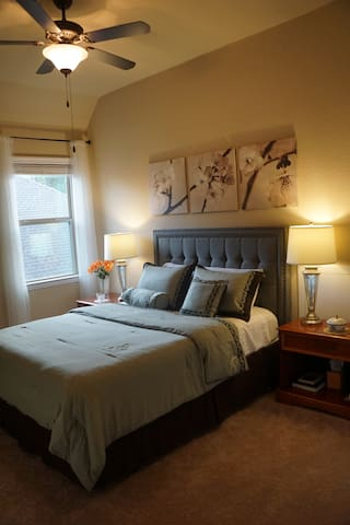 Private 1 br + 1 ba. Close to IAH (in new home!) - Atascocita - Huis