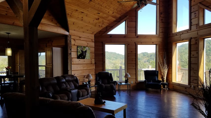 Big Sky Cabin, Both Rooms