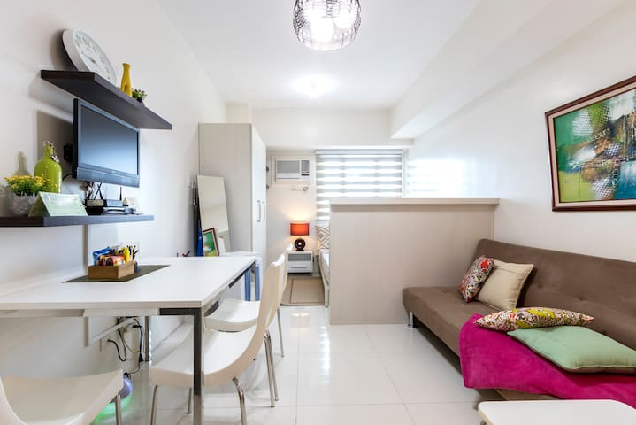 BEST DEAL! FullyFurnished StudioLuxe in NewManila