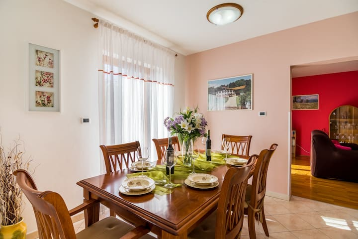 Ideal vacation for your family in heart of Istria! - Sveta Nedelja - House
