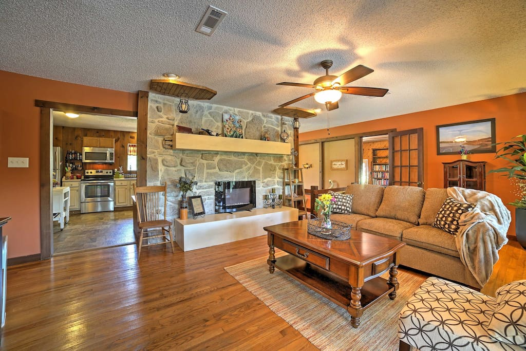 The home is tastefully decorated with modern updates throughout!