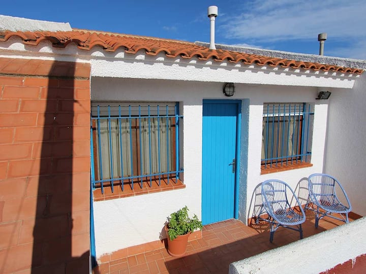 AP FLAMENC, Ideal house for your holidays near the sea, free wifi, air conditioning, pets allowed, dog's beach.