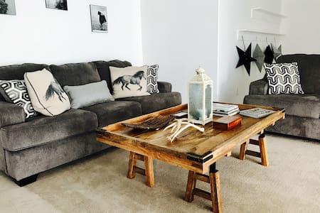 Zion Loft Style large open space! CENTRAL - Hurricane - Lejlighed
