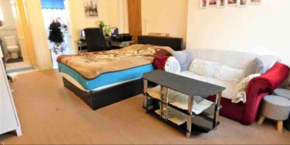 Studio Flat for couples