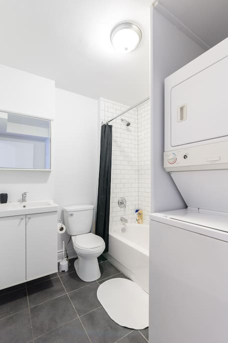 Good size bathroom. Very clean, shower and small bath, washer and dryer.