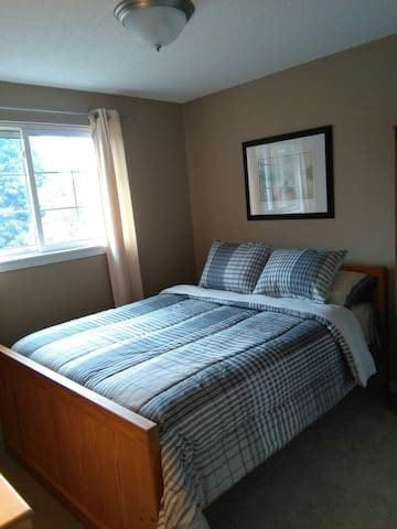Comfortable quiet oasis - Bowmanville - Σπίτι