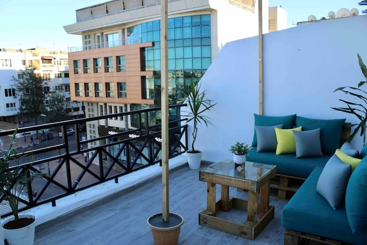 🌿 Modern&Stylish Apt+Sunny Terrace @Ace location 🌿