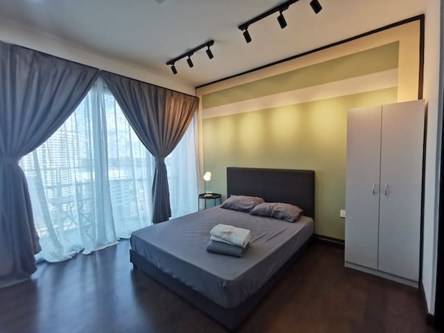Hexahome_Valencia Suites@ALMAS_Legoland
