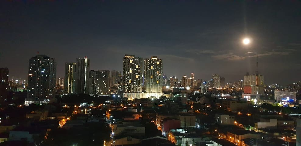 One Bedroom Condo in Pasay 30 nights minimum stay
