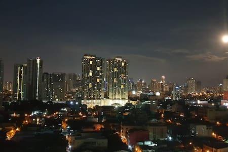 One Bedroom Condo in Roxas Boulevard Pasay