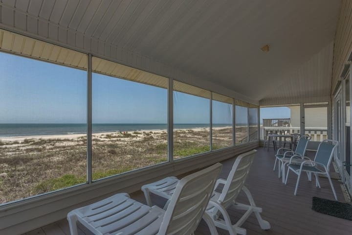 Gulf Front, Single Level, Screened Porch ~ Road's End
