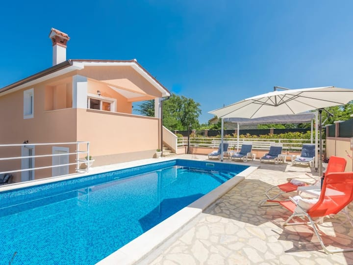 Villa Dina / lovely house with Pool
