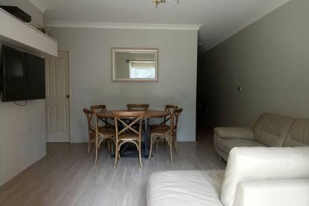 Good location! Neat and tidy - Ashfield, New South Wales, AU