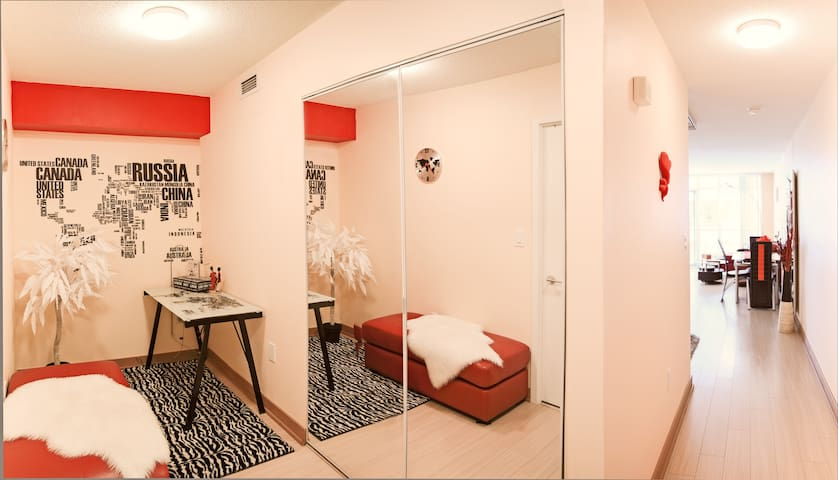 Luxury downtown living @ its best!