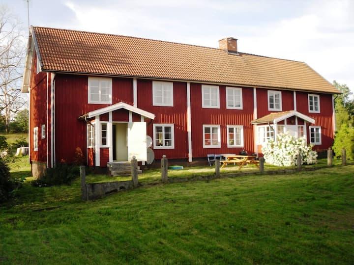 Gussagården - gård med masser af plads.