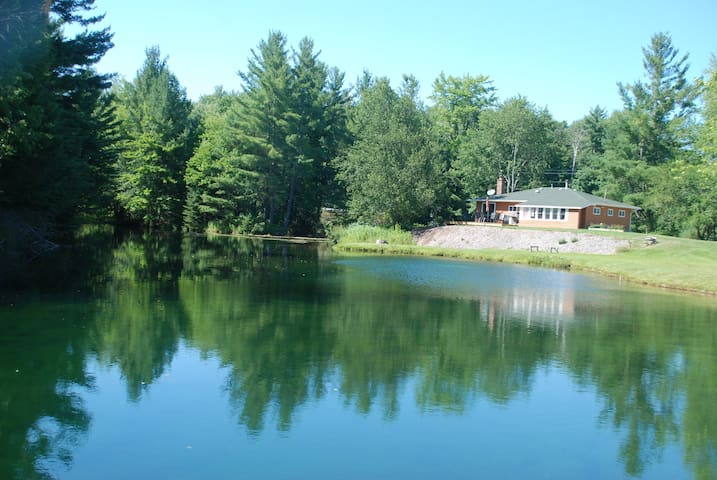 Whispering Pines Cottage on Mirror Pond