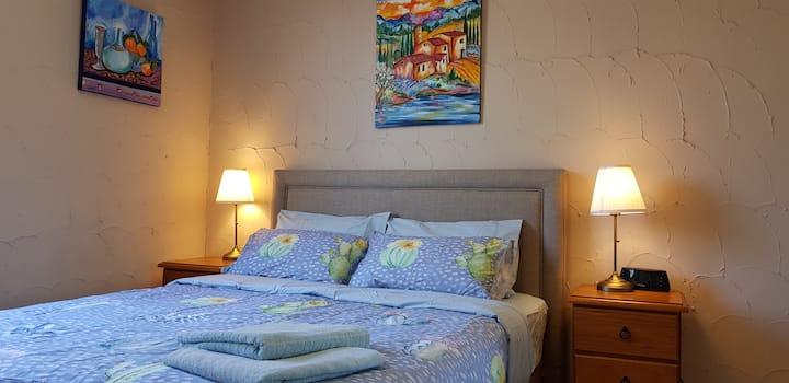 1 Bedroom, FREE Bus to City, Air Con (19)