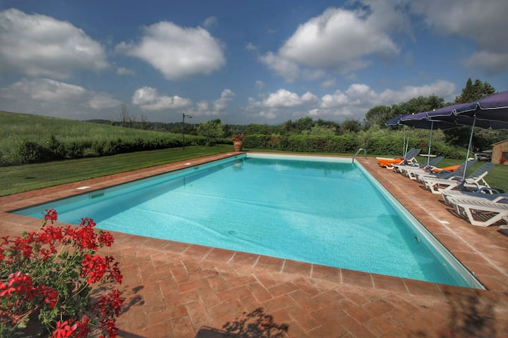 Rustic Farmhouse in Proceno with Swimming Pool