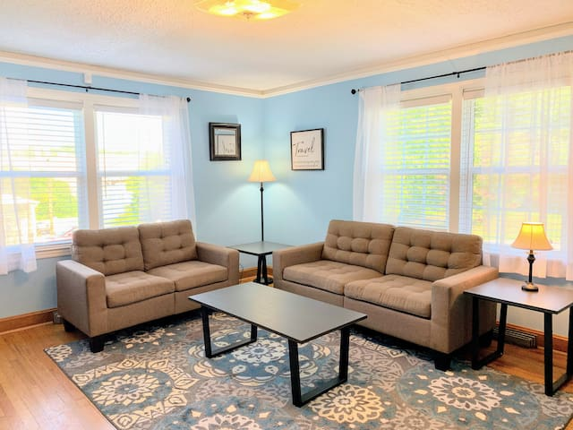Cottage at Cannon Mills (2BR near Clemson/Central)