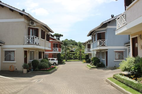 Casa em condomínio ao lado do Centro de Canela