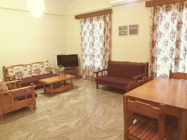House apartment for 6 people - Καλλιθέα - Wohnung