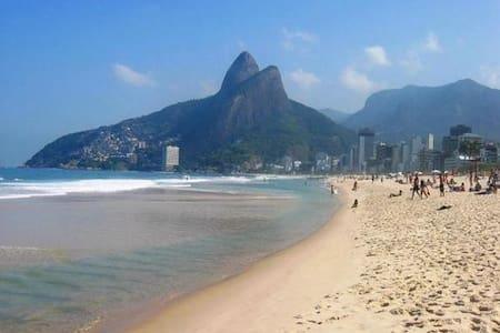Ipanema Flat 300 mts from the beach - Rio de Janeiro - Byt