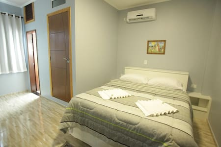 Feel right at home. Spacious 2 bedroom apartment - Lakás