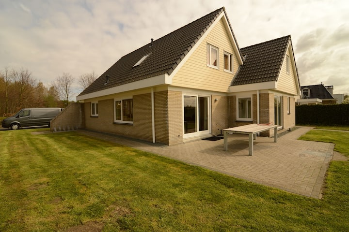 Luxurious holiday villa at lovely location in Zeewolde, Flevoland