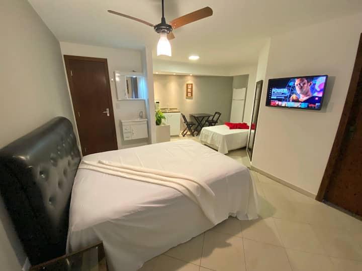 Flat 30m luxo no centro de Divinópolis c/ garagem