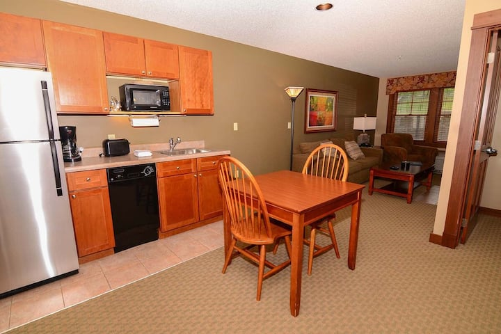 A116- 1 bedroom standard view suite with fireplace, kitchenette and WiFi!