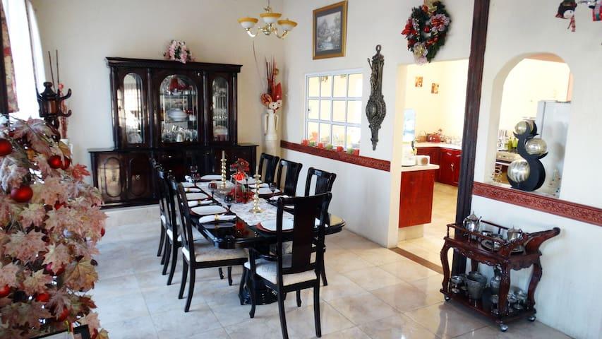 """Casa Sofía Cherry"" Apart Hotel - Huichapan"