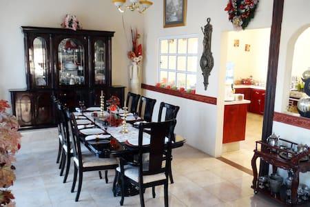 """""""Casa Sofía"""" comodidad, distinción y servicio - Huichapan"""
