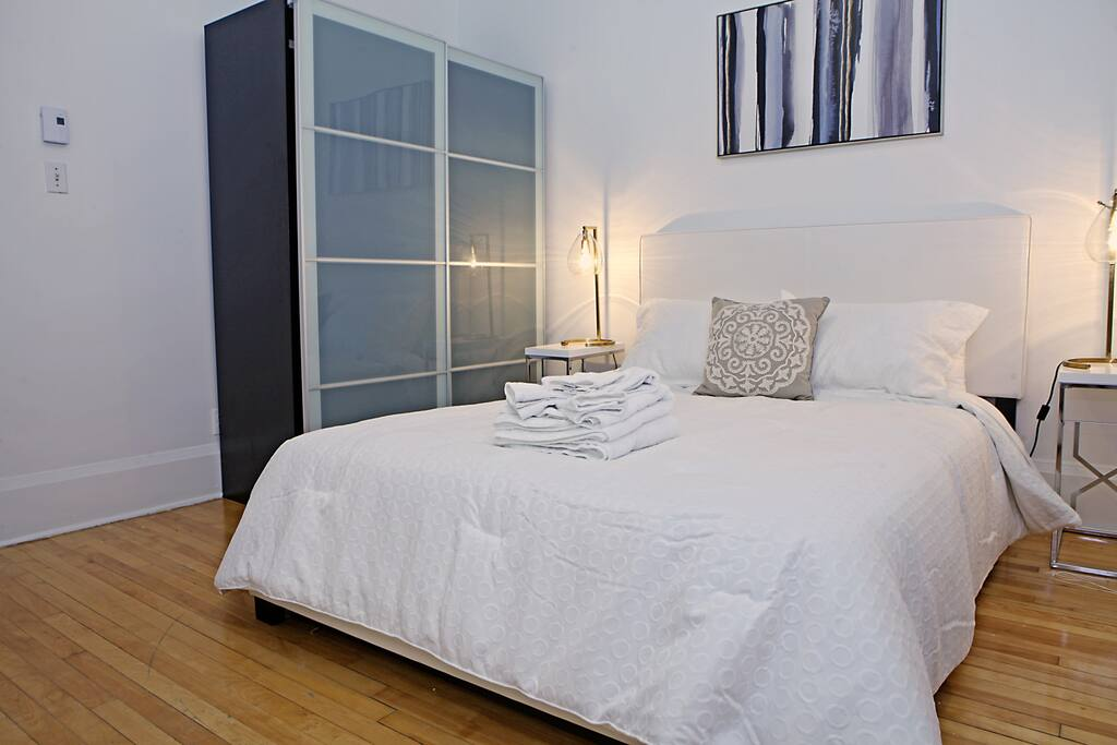 Two Bedroom Stylish Apartment Apartments For Rent In Montr Al Qu Bec Canada