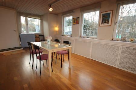 Appartment in nice Danderyd Villa - Djursholm