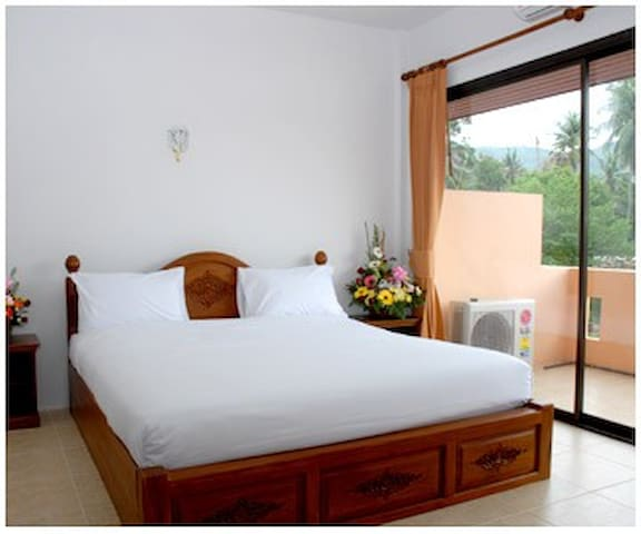 Holiday Guest House Standard Room01