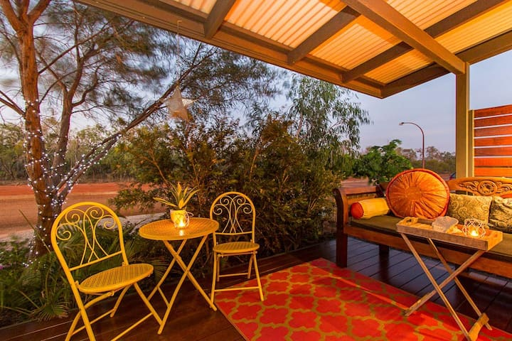 Kookaburra - self contained unit - Broome - Bed & Breakfast