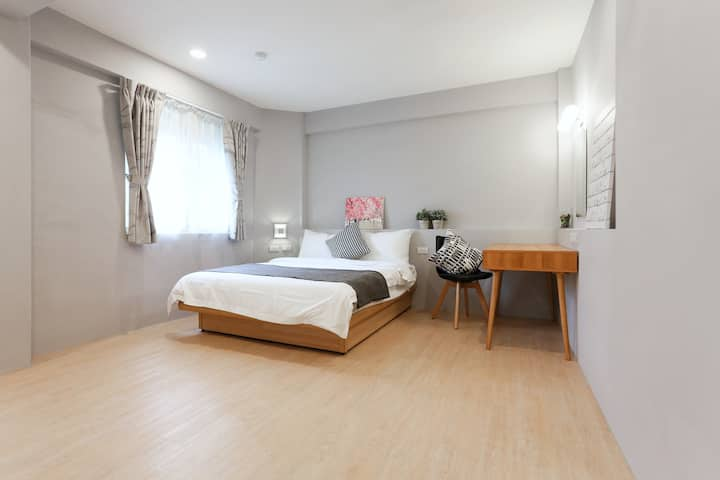 Double room N2@ 2 min to MRT (LINE 1 & LINE 3)