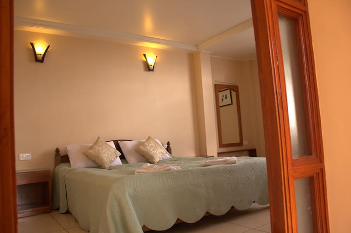 Elim Holiday Home- Private, bed & breakfast rooms - Gangtok