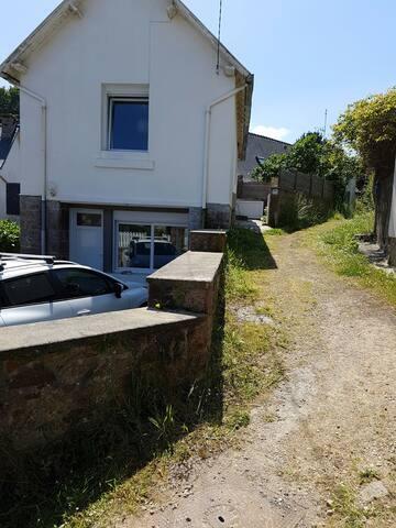 Petite maison avec terrasse Trestraou